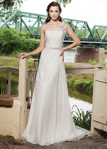 Ivory Sweep Train Hand-Made Flower Satin Chiffon Wedding Dress