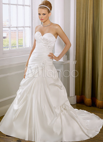 Ivory Satin Sweet Heart A-line Wedding Dress For Bride