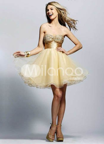 Cute Light Yellow Sweetheart Neckline Tulle A-line Womens Homecoming Dress