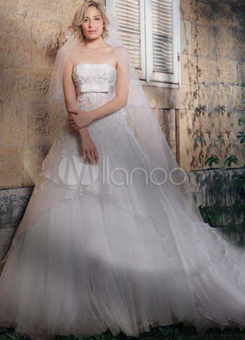 White Net Strapless Train 2011 Wedding Dress
