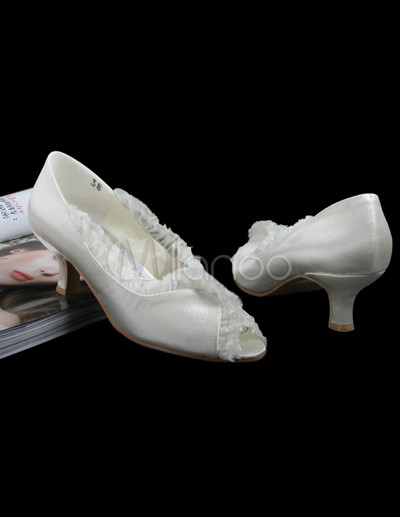 Ivory  Heel Wedding Shoes on Pretty Ivory Satin Pleated 2 2 5    High Heel Wedding Shoes