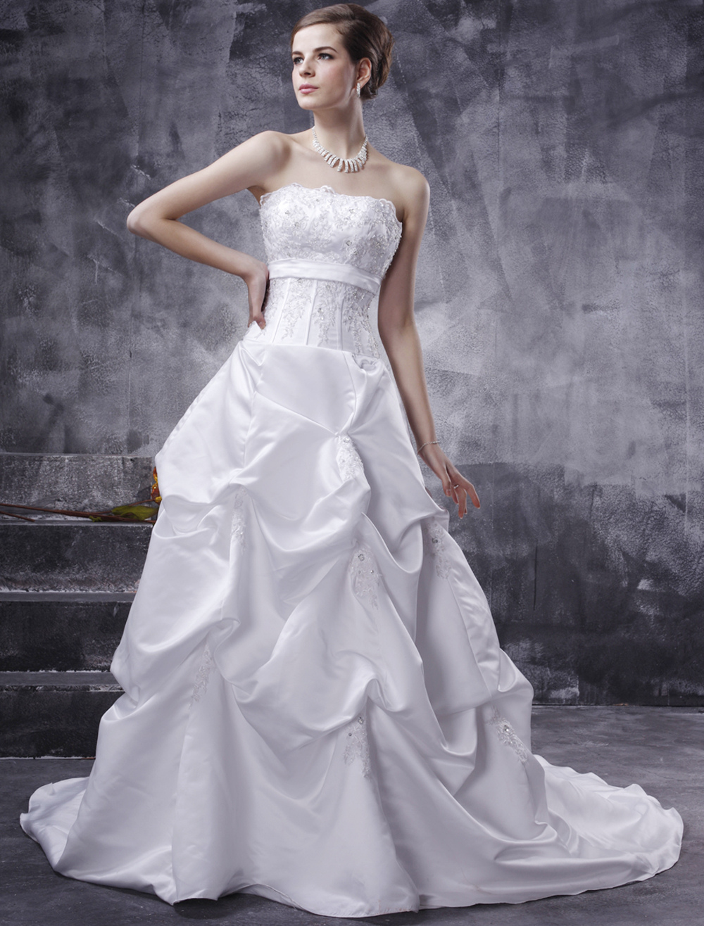 White Wedding Dresses Ball Gown Strapless Bridal Dress Satin Ruched Lace Beading Sash Court Train Wedding Gown
