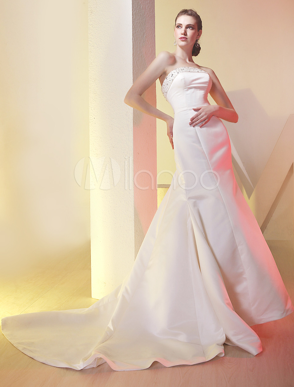 Satin Fishtail Wedding Dress : Modern white sweetheart strapless satin luxury wedding