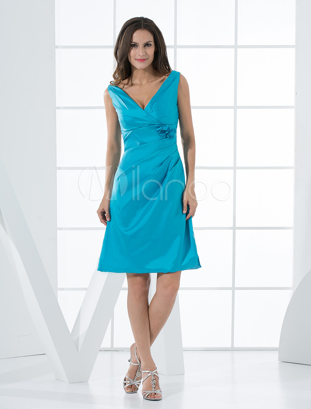 Beautiful Blue Taffeta A-line V-neck Bridesmaid Dress