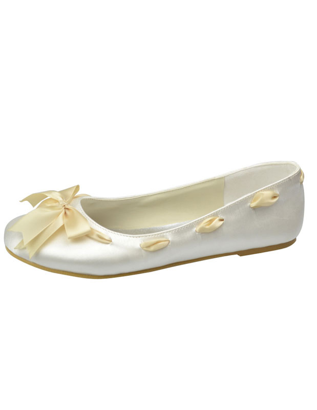Sweet Ivory Round Toe Bow Satin Bridal Shoes