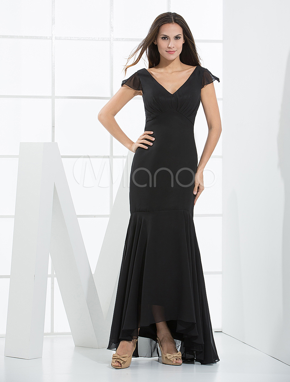 Elegant Black Mermaid Trumpet Satin Bridesmaid Dress
