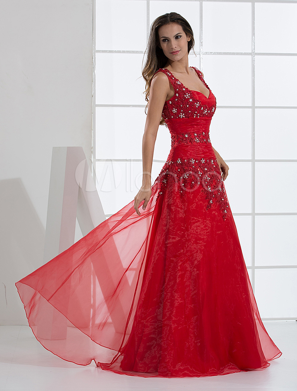 Red A-line V-Neck Applique Beading Satin Organza Prom Dress