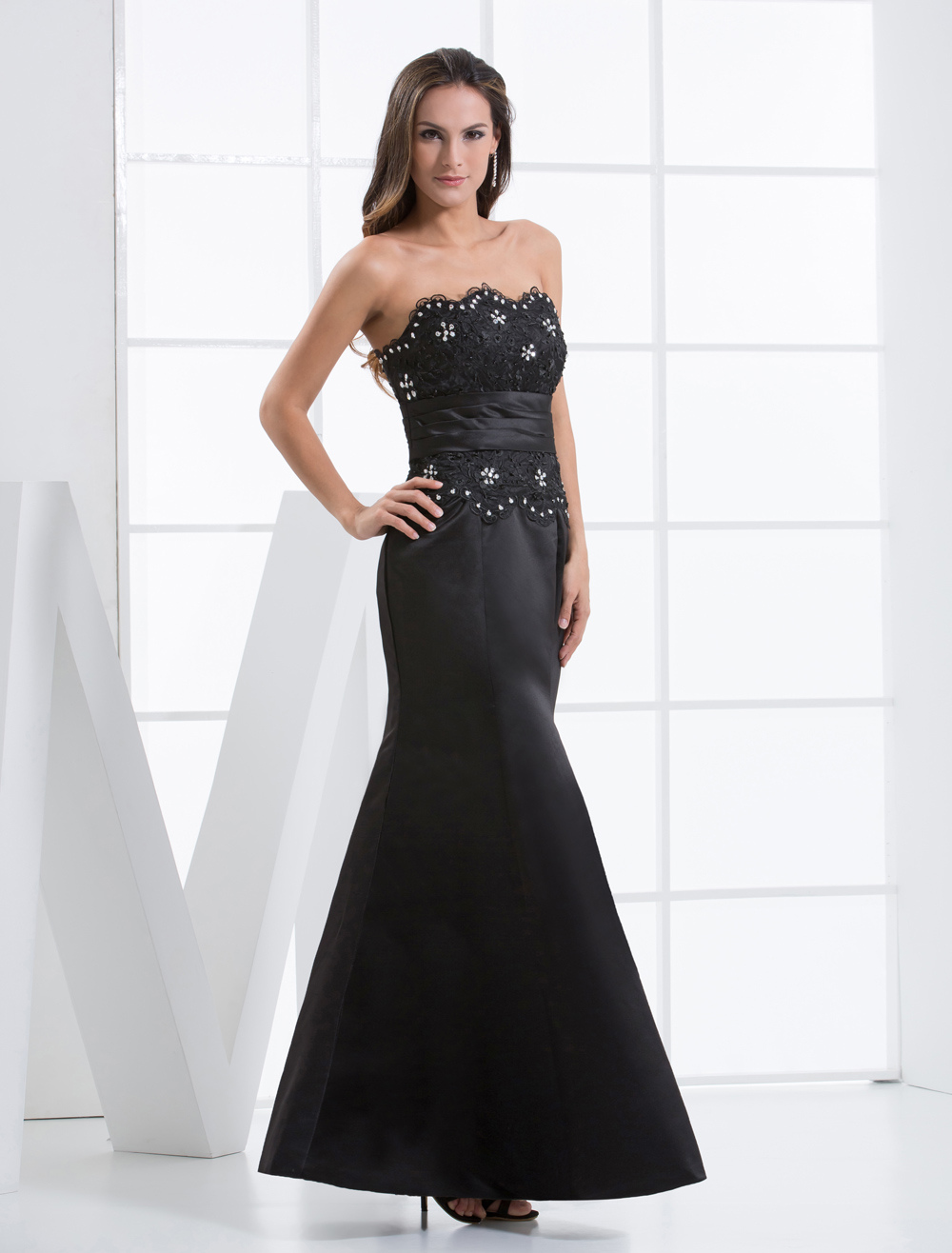 Gorgeous Black Sheath Applique Beading Satin Evening Dress (Wedding Evening Dresses) photo
