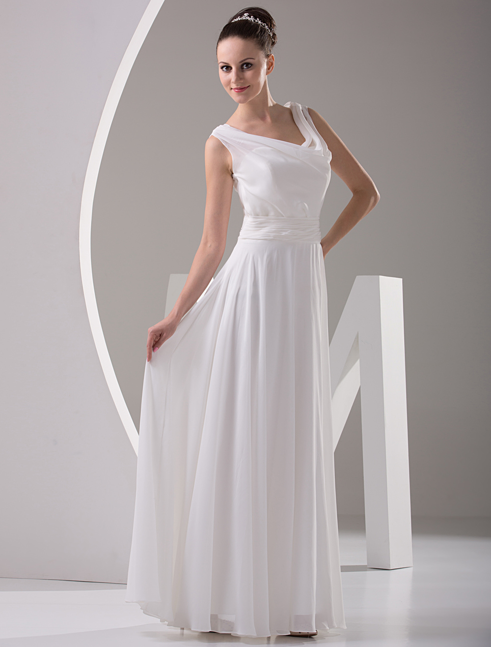 White Sleeeveless Floor Length Chiffon Bridesmaid Dresses