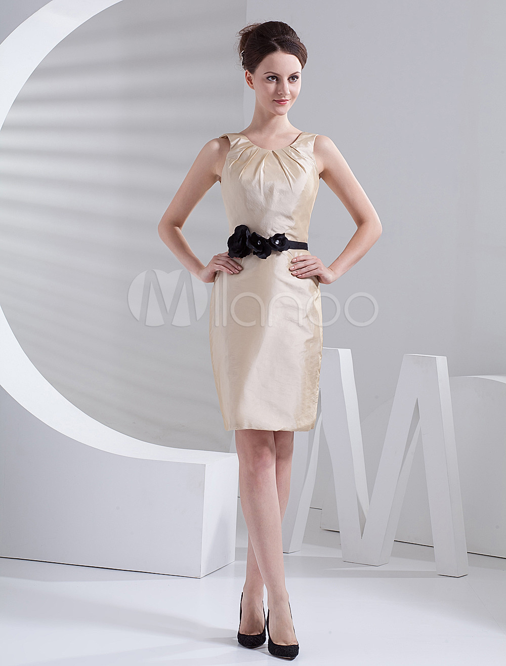 Elegant Ivory Taffeta Knee Length Bridesmaid Dress
