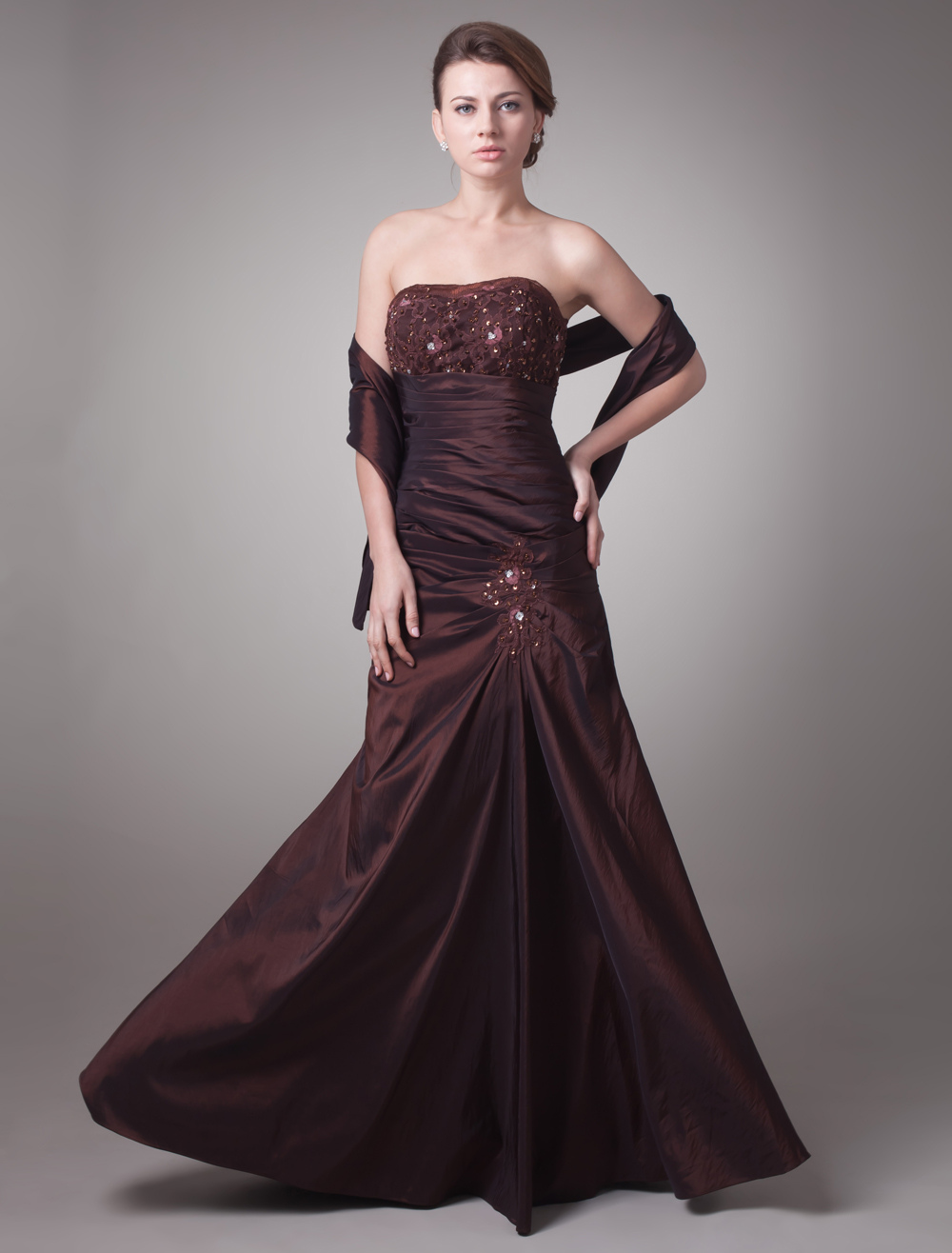 Chocolate Taffeta Sheath Sweetheart Neck Pleated Backless Mother of the Bride Dress