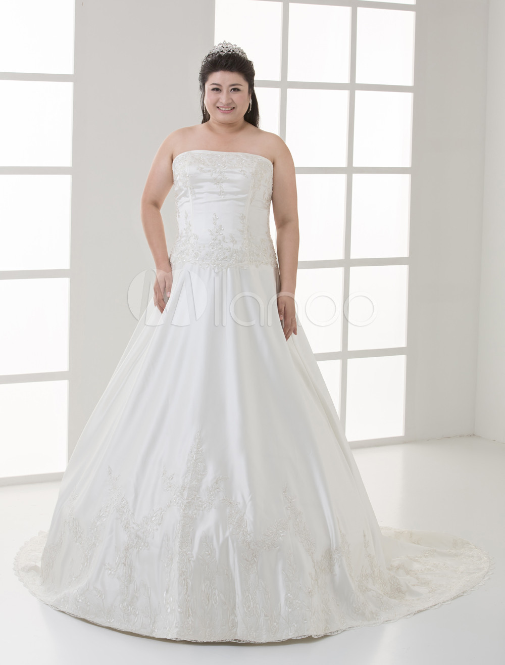 Lace Ivory Ball Gown Plus Size White Sweetheart Embroidery Beading Satin Lace Wedding Dress