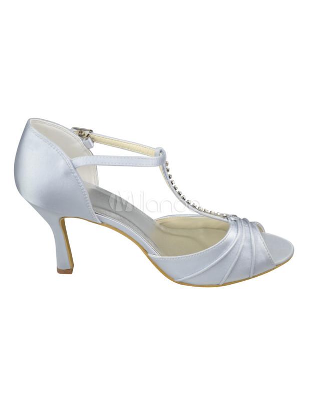 sandales blanches de mariage en t strap et bracelet de cheville. Black Bedroom Furniture Sets. Home Design Ideas