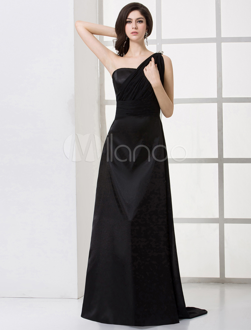Classical Black Chiffon One-Shoulder Floor-length Maternity Bridesmaid Dress