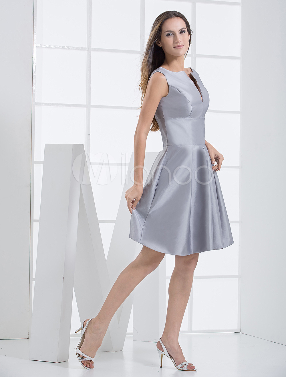 Gorgeous Silver Taffeta A-line Knee Length Bridesmaid Dress