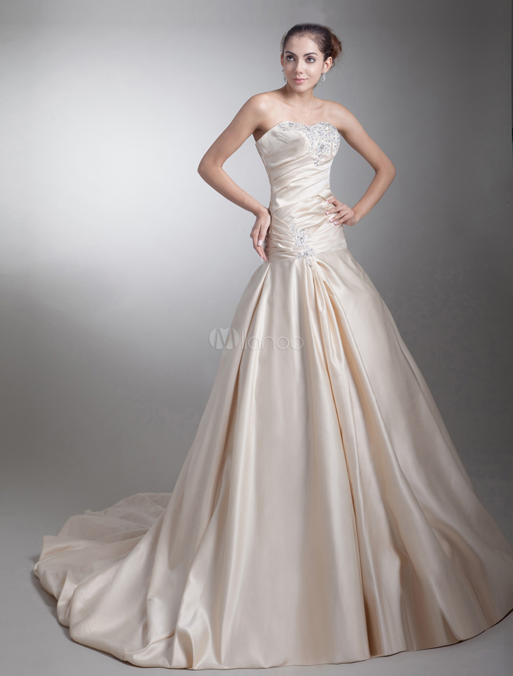 Strapless Beading Taffeta Champagne Brides Wedding Dress with Ball Gown Sweetheart Neck