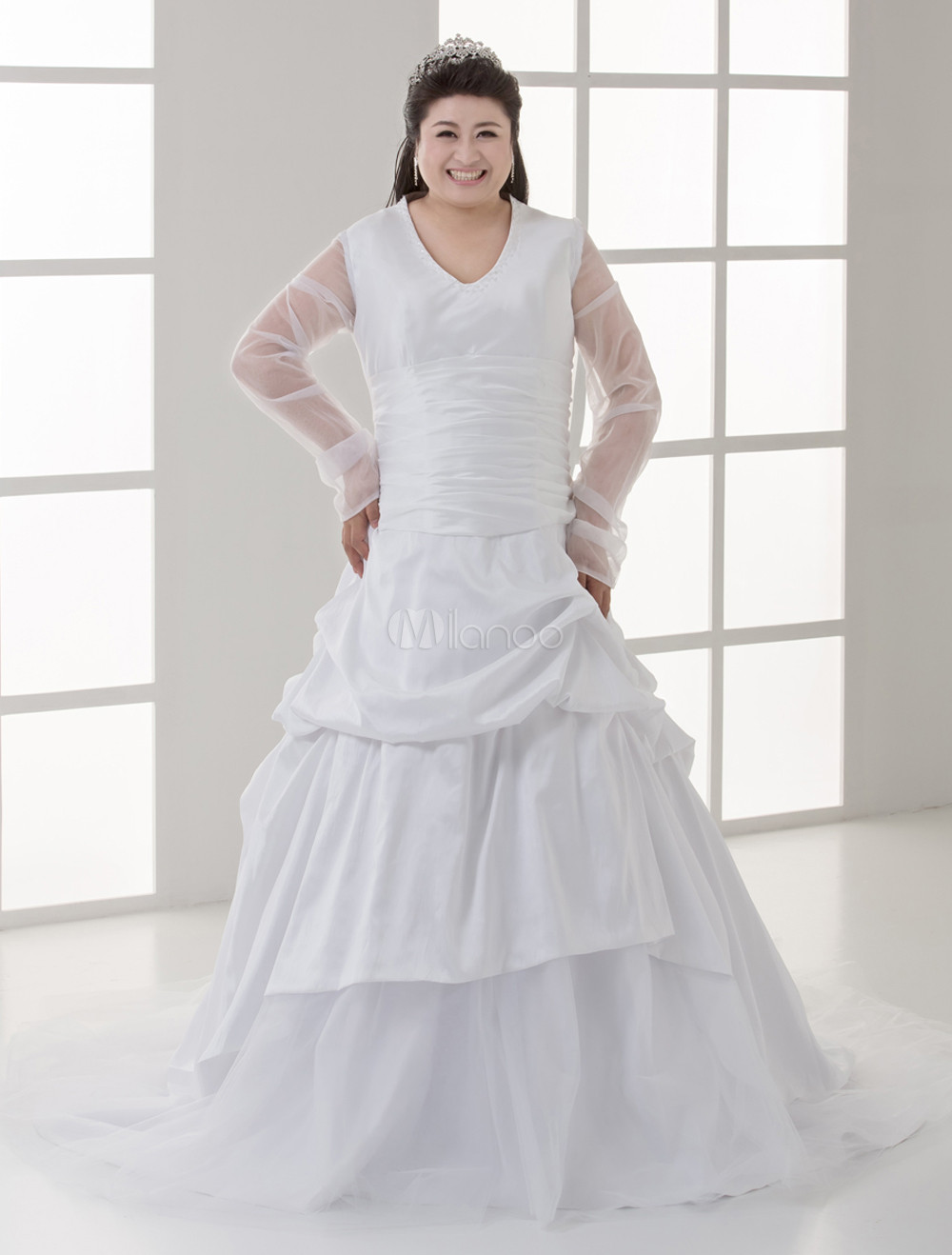 White Ball Gown V-Neck Beading Satin Plus Size Bridal Wedding Dress