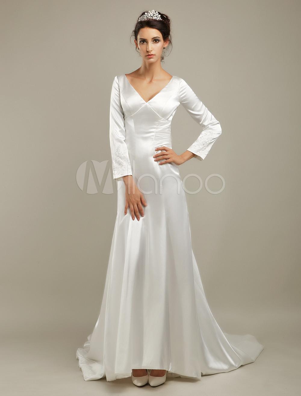 Court Train Ivory Bridal Wedding Dress with V-Neck A-line ...
