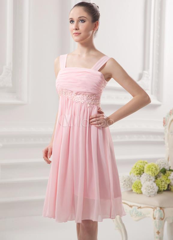 Robe de cocktail taille empire rose en chiffon bustier for Robes de mariage de taille empire