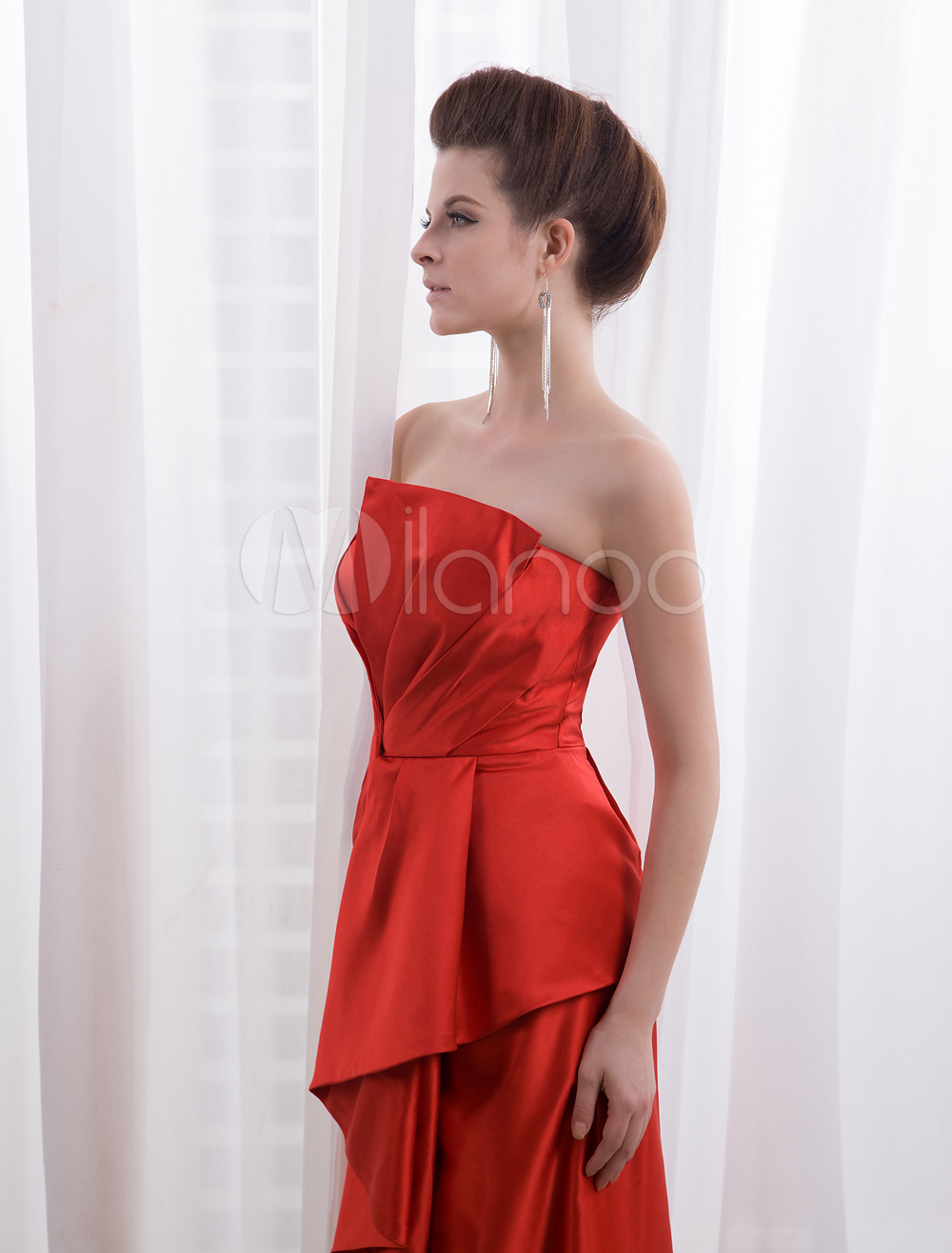 Sheath-strapless-red-satin-pleated-celebrity-dress-367327-9