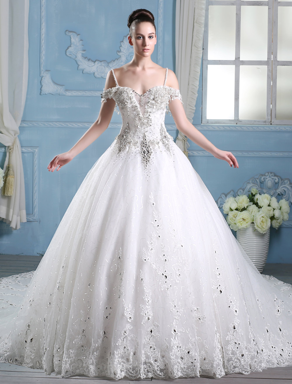 Robe de mariée A-ligne en tulle ivoire avec strass à bretelles ...