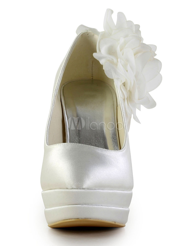 Antique Design Stiletto Heel Silk Wedding Shoes