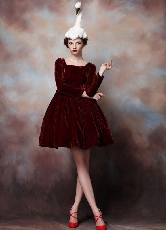 A-line Burgundy Velvet Square Neck Short Women's Cocktail Dress
