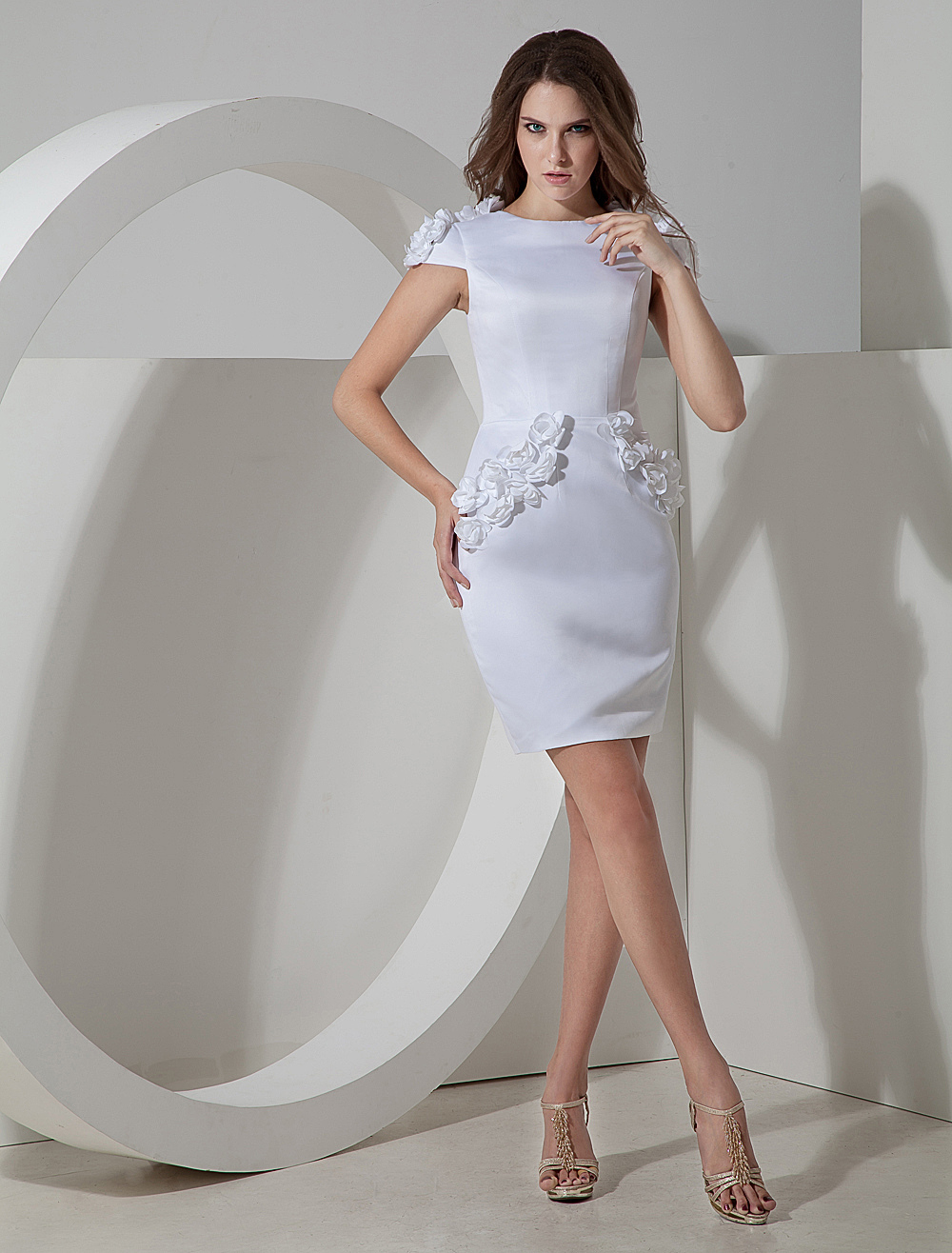 Elegant White Applique Sheath Cocktail Dress
