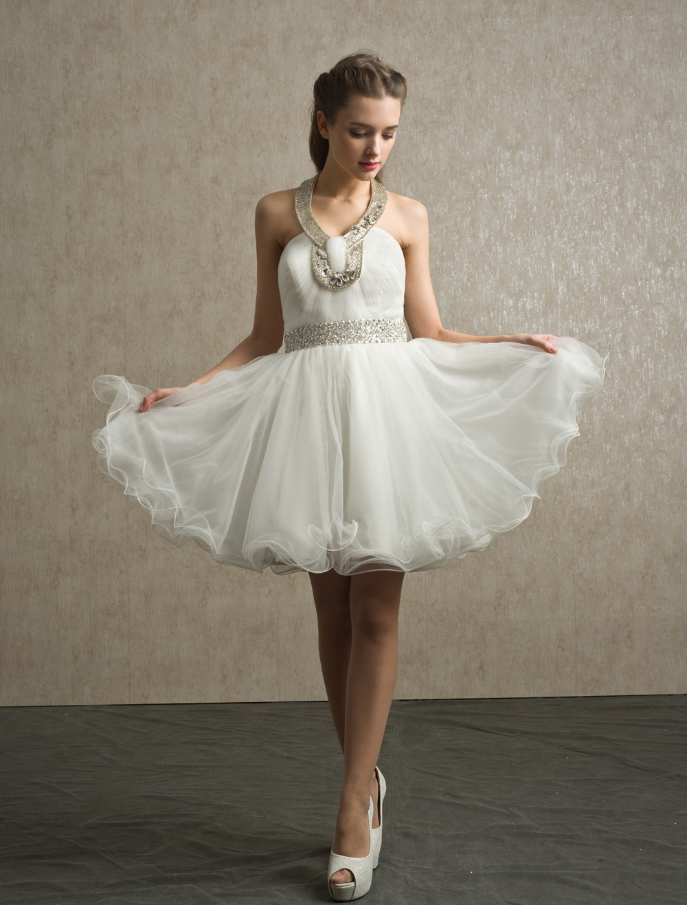 Ivory Rhinestone Tulle A-line Knee-Length Bridesmaid Dress with Pretty Halter Neck