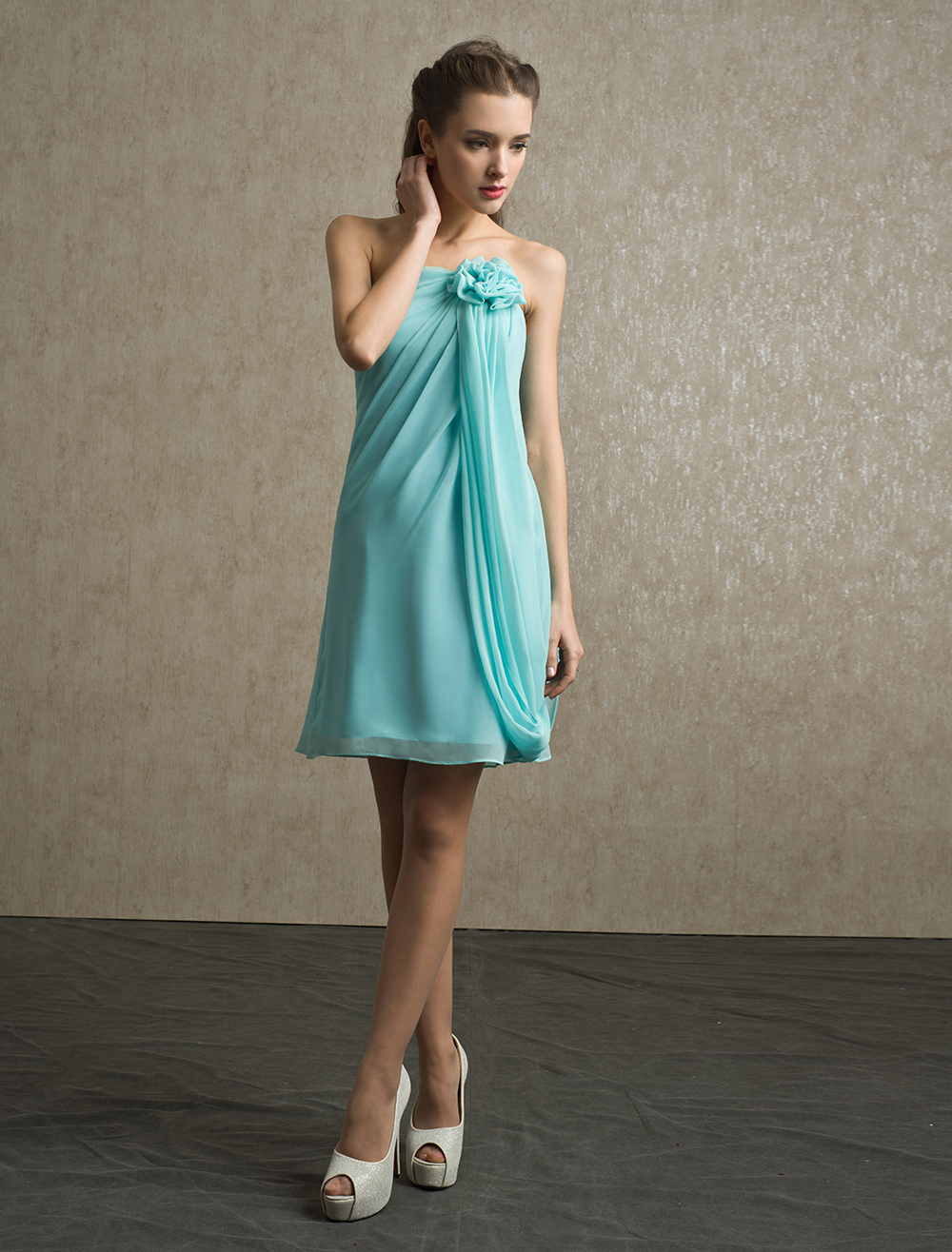 Flower Chiffon A-line Strapless Bridesmaid Dress with Elegant Knee-Length Skirt