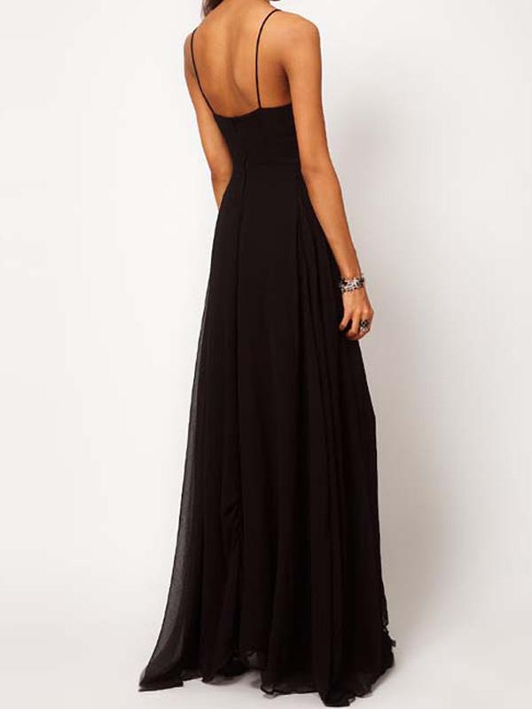vestido largo negro con tirantes y abertura lateral. Black Bedroom Furniture Sets. Home Design Ideas