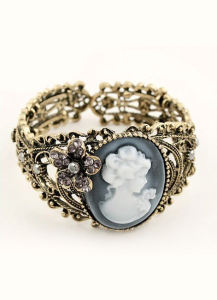 Vintage Bronze Alloy Womens Bohemian Cameo Bracelet