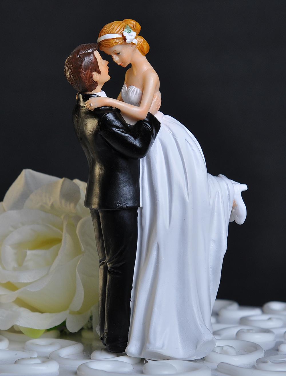 Classic Couple Romantic Figurine Wedding Cake Topper