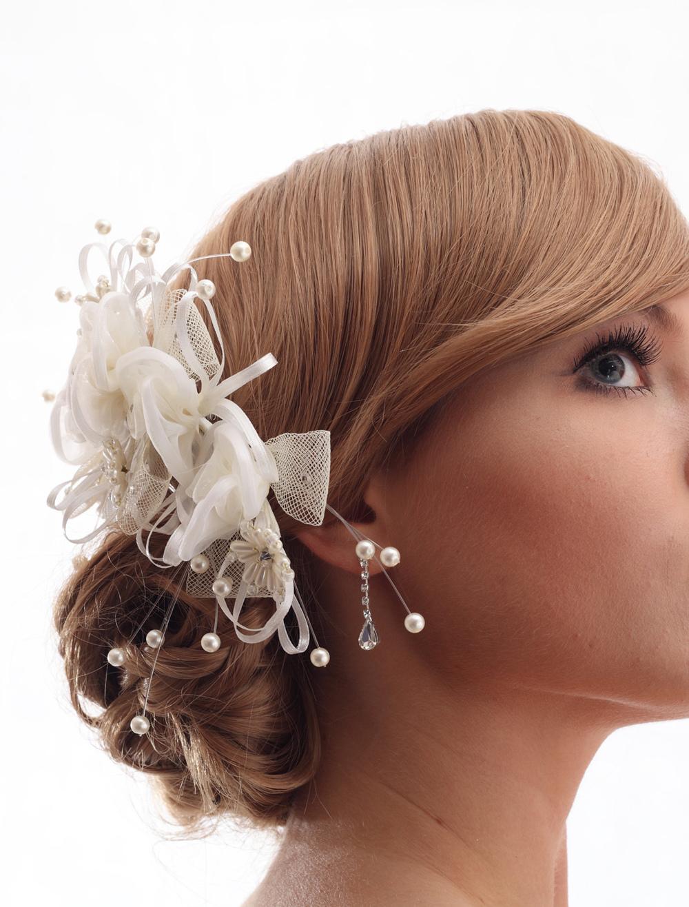 blanc perle fleur accessoires accessoires pour cheveux de mariage. Black Bedroom Furniture Sets. Home Design Ideas