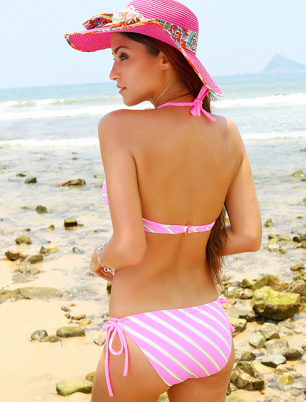 Bikini à rayures vertes