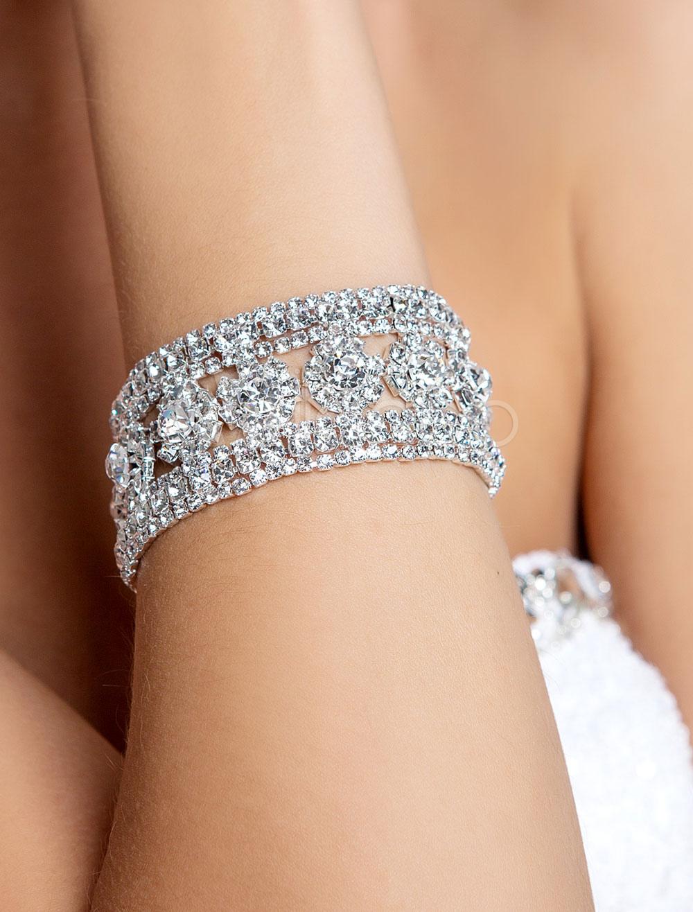 stilvolle juwelen f r besondere anl sse braut juwelen. Black Bedroom Furniture Sets. Home Design Ideas