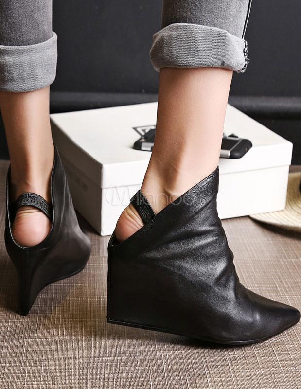 bottine femme bout pointu et talons compens s en cuir noire unicolore sans ornement bottes. Black Bedroom Furniture Sets. Home Design Ideas