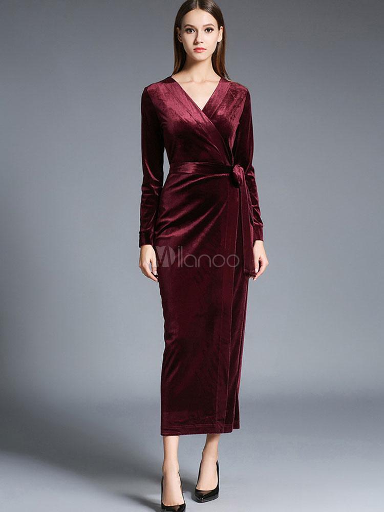 robe longue en velours de soie unicolore moulant avec ceinture col v. Black Bedroom Furniture Sets. Home Design Ideas
