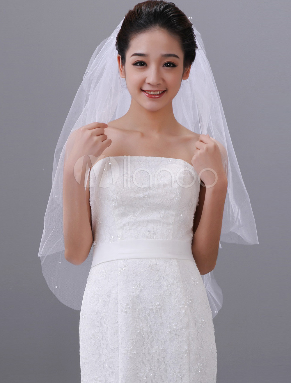 Fantastic White One-Tier Beading Tulle Oval Wedding Veil