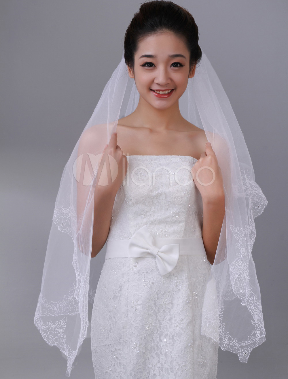 Beautiful White One-Tier Embroidery Tulle Bridal Wedding Veil