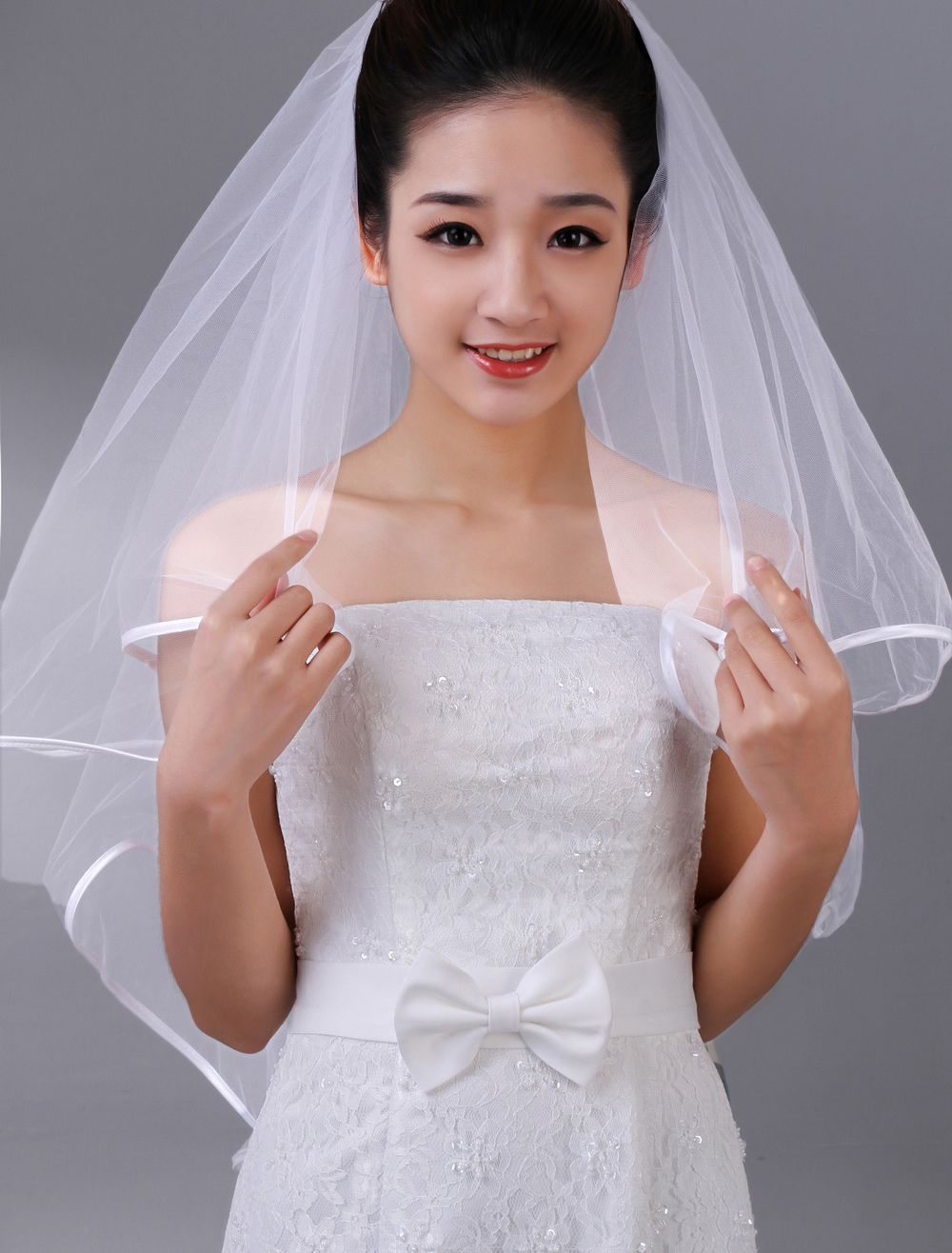 Charming White Two-Tier Tulle Bridal Wedding Veil