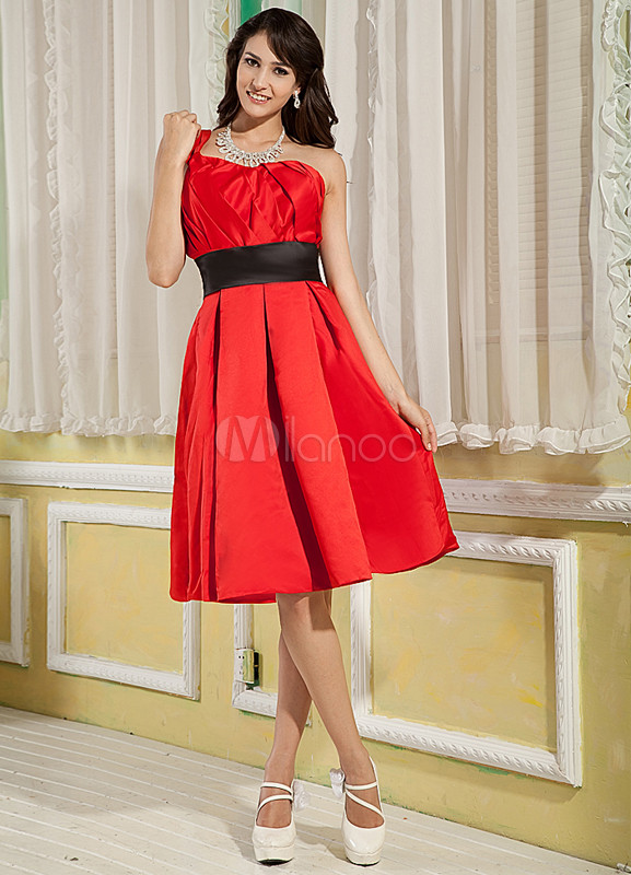 Red A-line One-Shoulder Knee Length Satin Homecoming Dress