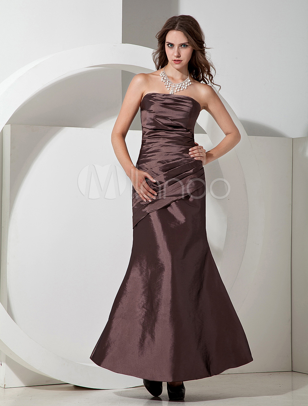 Elegant Taffeta Strapless Floor Length Bridesmaid Dress