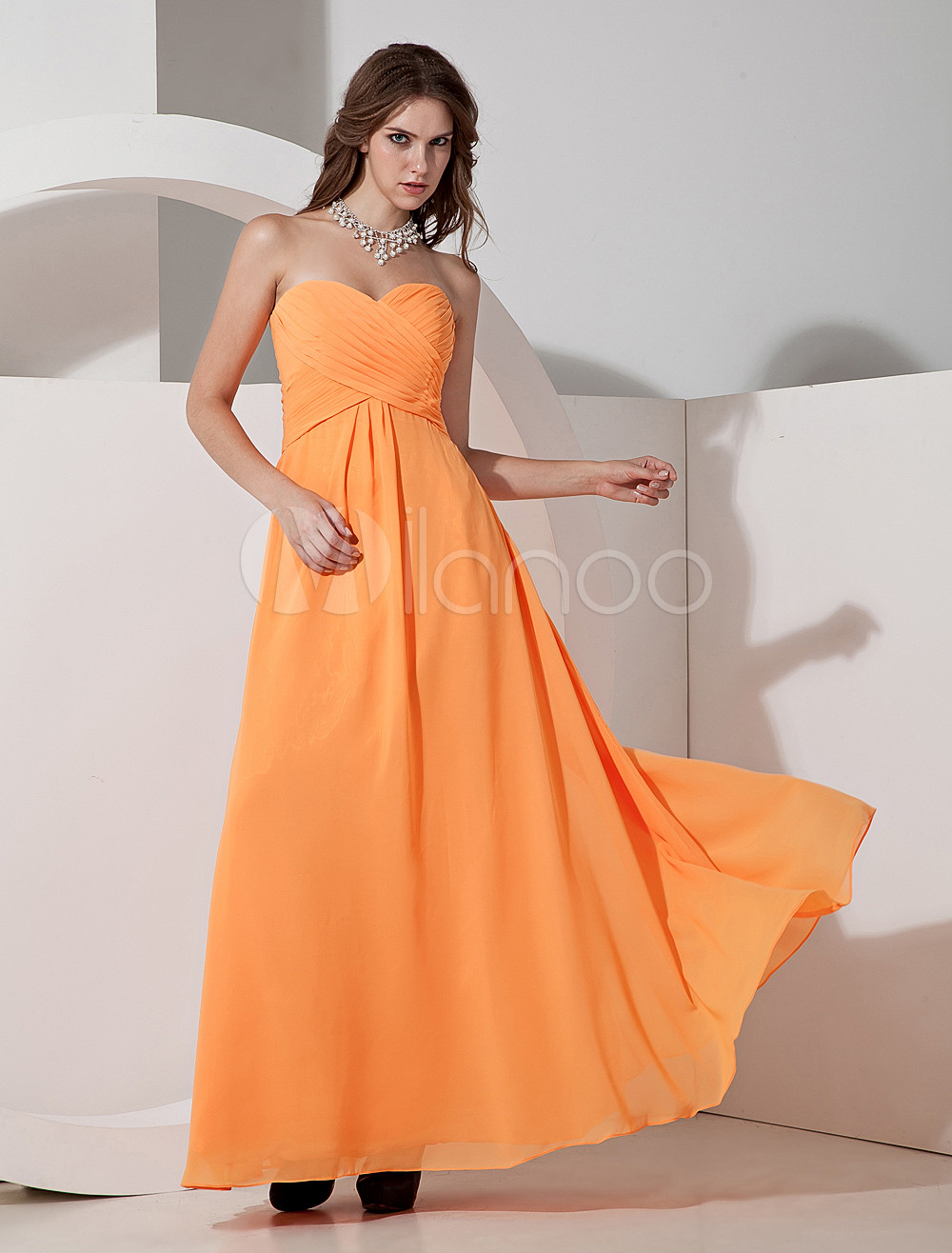 Elegant Chiffon Sweetheart Floor Length Womens Bridesmaid Dress
