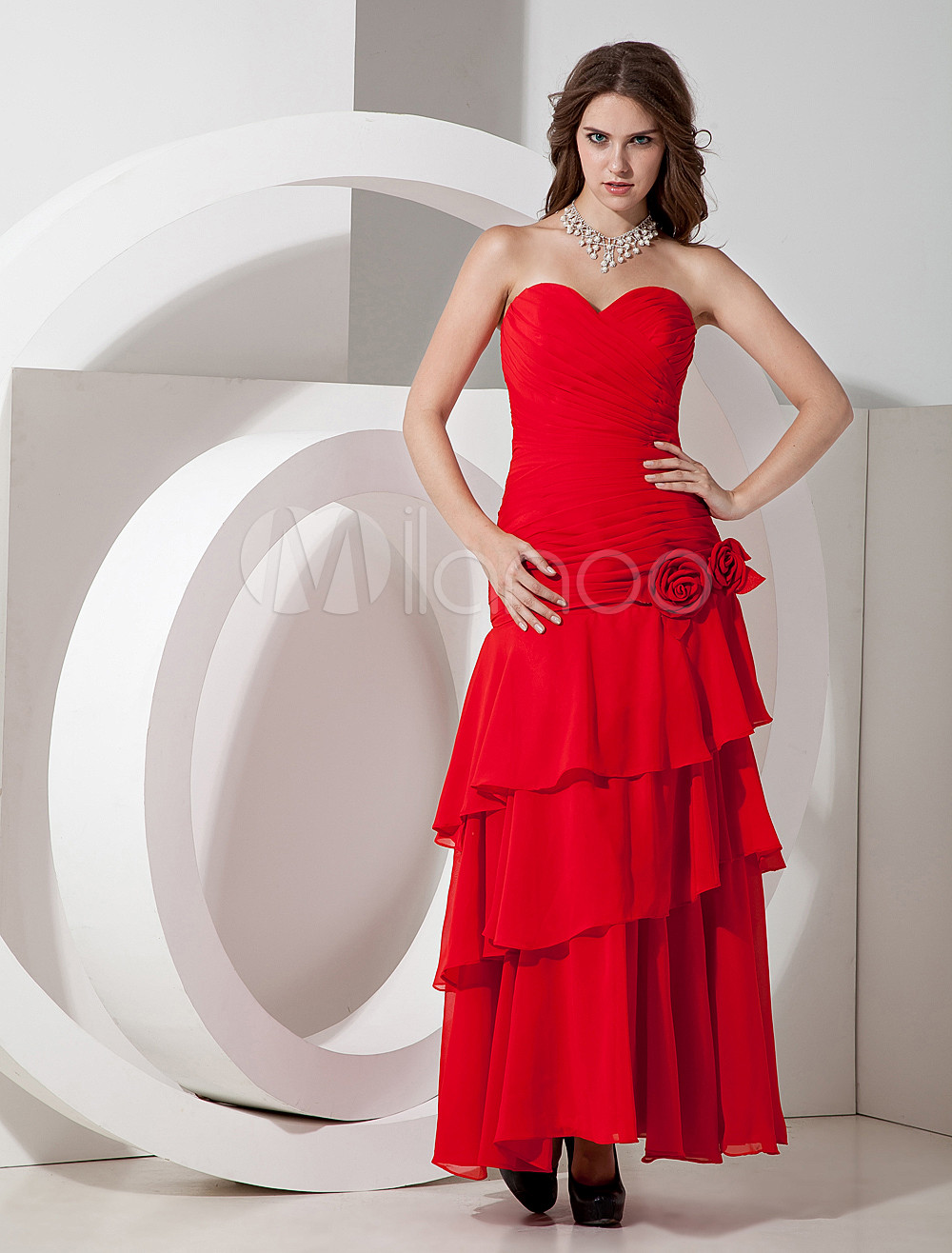 Sweetheart Neck Tiered Chiffon Red Charming Bridesmaid Dress
