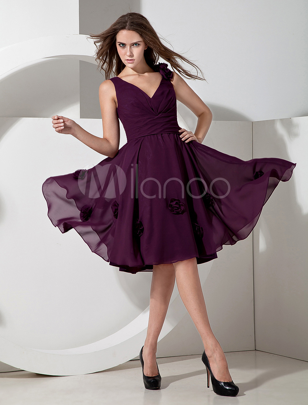 Popular Grape Chiffon V-neck Knee Length Bridesmaid Dress