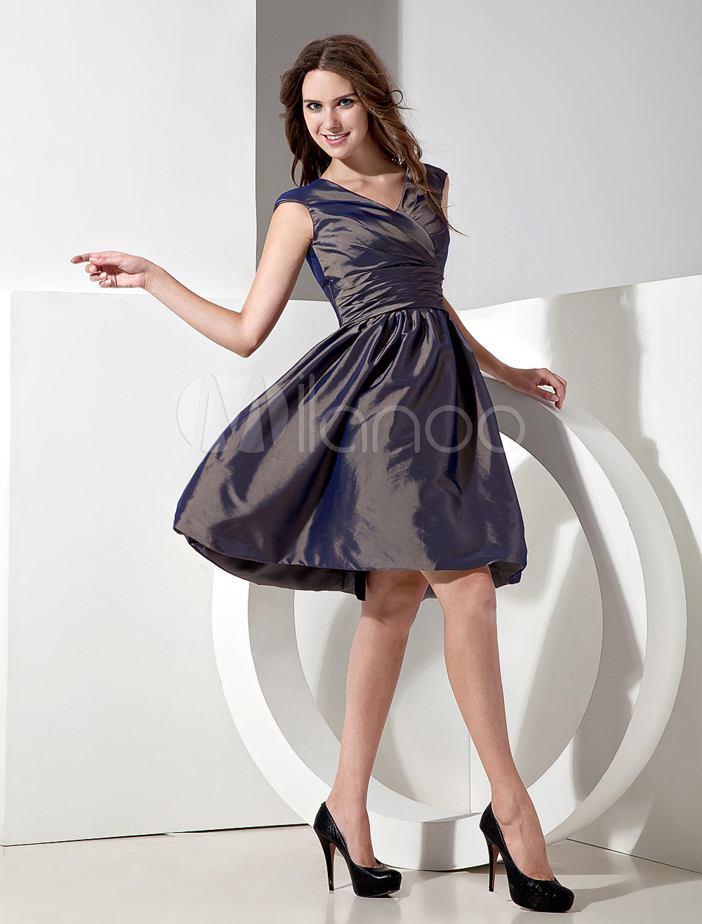 Fashionable Taffeta V-neck Knee Length A-line Bridesmaid Dress