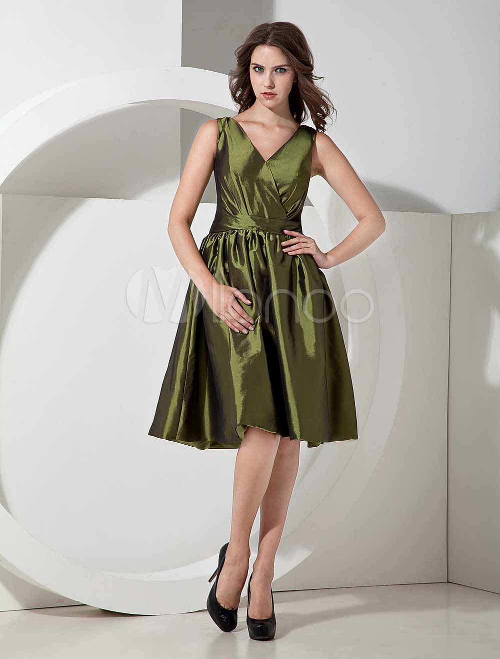 Unique Green Taffeta V-neck Knee Length Bridesmaid Dress