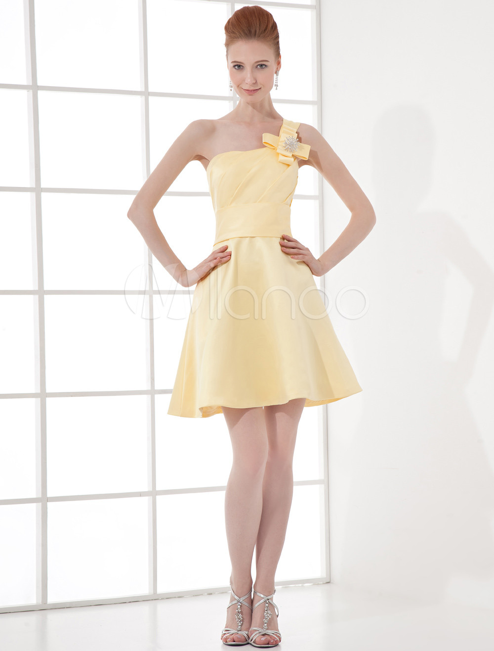 A-line Daffodil Satin Floral One-Shoulder Short Fashion Bridesmaid Dress
