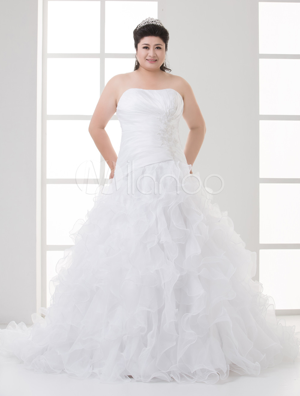 White Ball Gown Strapless Tiered Organza Plus Size Wedding Dress For Bride